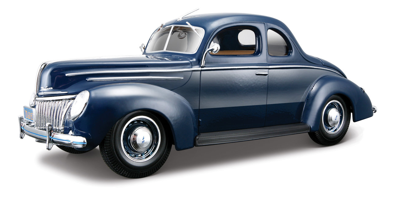 1:18 Ford Deluxe Coupé 1939 blau