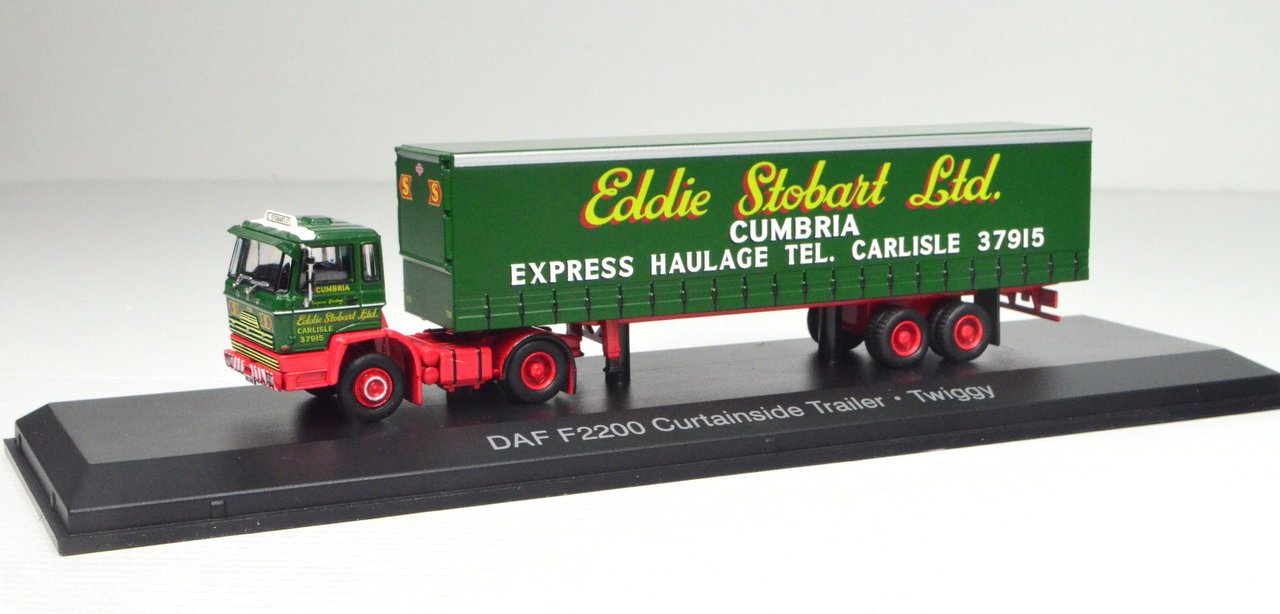 1:76 DAF F2200 Curtainside Trailer Twiggy von Atlas